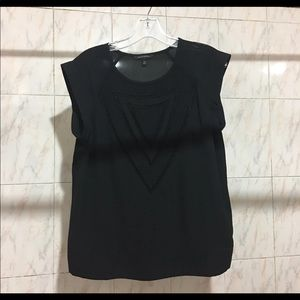 Black shirt sleeve blouse